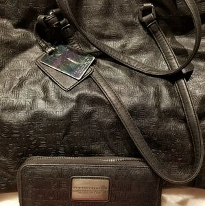 AE Tote and wallet set